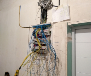 Электромонтаж 3-х комнатная квартира на Семиренко